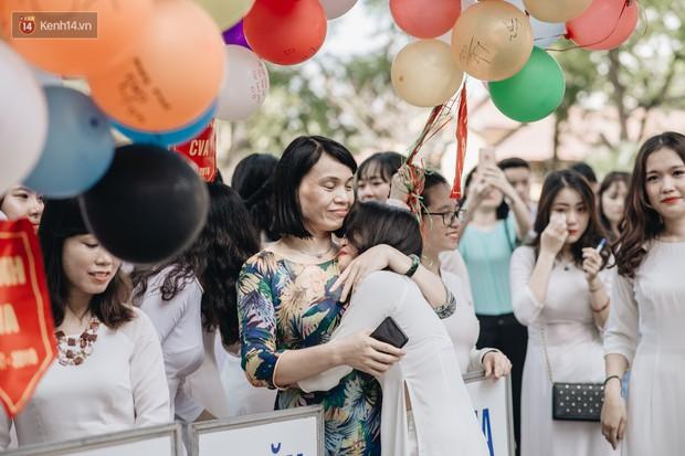 10 năm và 5 thay đổi lớn của giáo dục Việt Nam: Sổ liên lạc đi vào dĩ vãng, không còn cảnh cha mẹ đưa con lên thành phố thi Đại học - Ảnh 16.