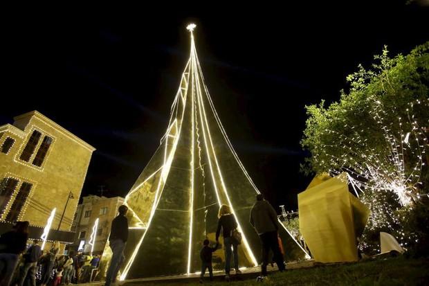 Những cây thông Noel đặc biệt được ghi nhớ nhất trong lịch sử các mùa Giáng sinh khắp thế giới, kỳ công đến mức khiến ai cũng phải trầm trồ - Ảnh 10.