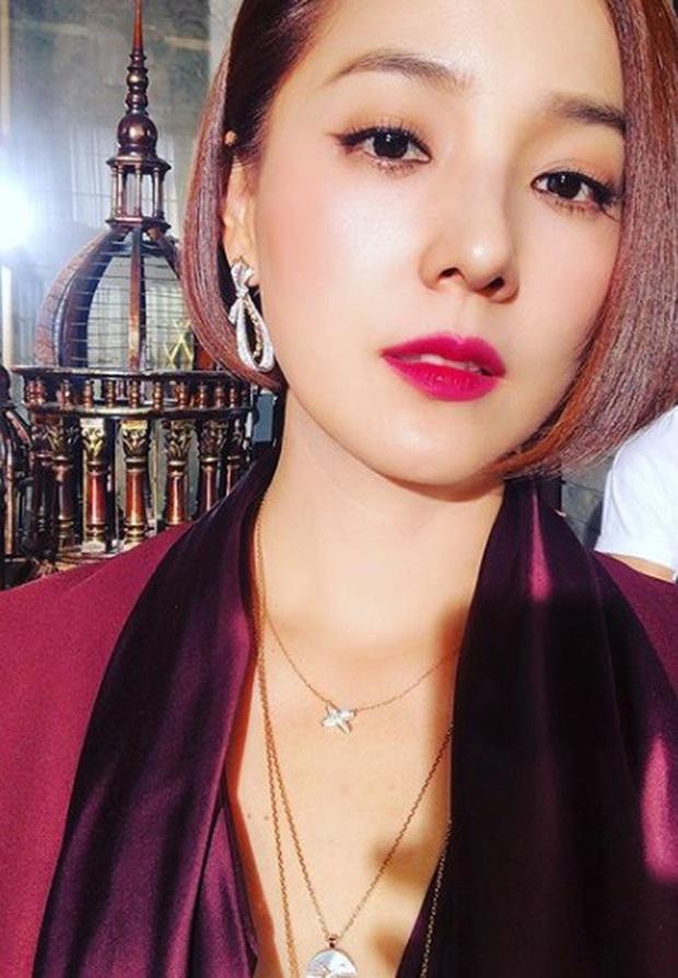 Mỹ nhân Penthouse hoá ra là huyền thoại nhan sắc Kpop: Mẹ 2 con nhưng vẫn là nữ thần đẹp nhất nhà SM, vượt mặt Yoona - Irene - Ảnh 20.