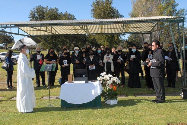 Quang cảnh đầy bình yên nơi an nghỉ cuối cùng của cố NS Chí Tài tại nghĩa trang Mỹ - Ảnh 6.