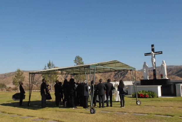 Quang cảnh đầy bình yên nơi an nghỉ cuối cùng của cố NS Chí Tài tại nghĩa trang Mỹ - Ảnh 7.