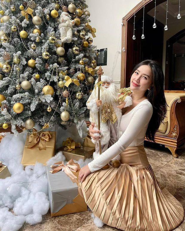 Bảo Thy khoe dinh thự triệu đô cùng vài cái bánh Giáng sinh vừa nhìn đã thấy mập, Noel này còn ai chơi trội hơn công chúa đây? - Ảnh 1.