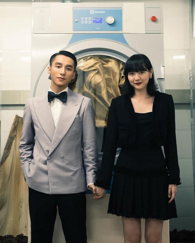 Chỉ từ 138k, chị em sắm được ngay son đỏ sang xịn giống Hải Tú trong MV mới của sếp Tùng - Ảnh 1.