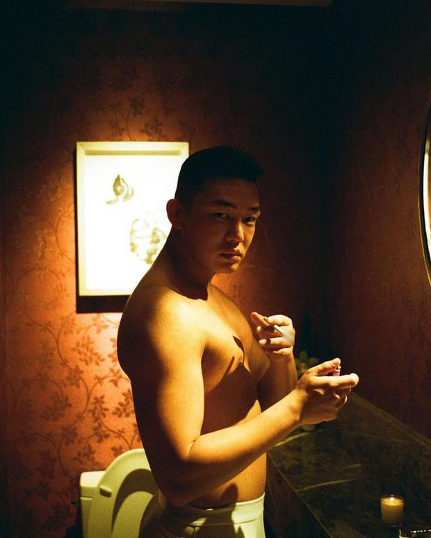 Top 1 Naver: Yoo Ah In gây sốc với ảnh mặc độc nội y, tụt quần hút thuốc lá, tuyên bố sẽ bỏ nếu không... tụt quần tiếp! - Ảnh 7.