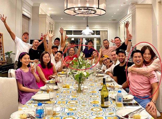 Rần rần khoảnh khắc Linh Rin - Hà Tăng thân thiết trong tiệc Noel, hội mỹ nhân gia tộc triệu đô đọ sắc khốc liệt - Ảnh 4.