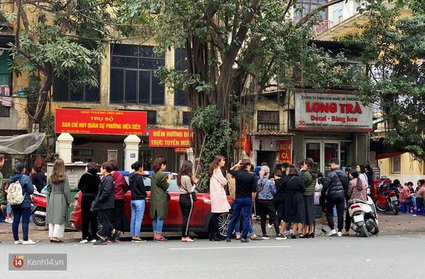 Hàng bún cá chấm nổi tiếng xếp hàng dài cả cây số ngoài Hà Nội bỗng xuất hiện tại Sài Gòn, tưởng là chi nhánh 2 nhưng hoá ra không phải? - Ảnh 2.