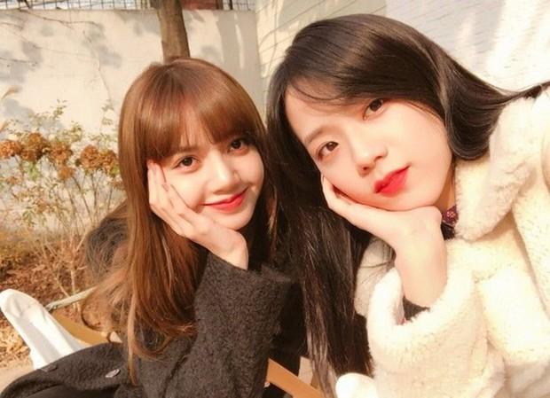 Lisa từng bí mật cover vũ đạo của nữ ca sĩ solo đình đám, Jisoo muốn đăng hộ nhưng không dám vì phải… bảo vệ mắt của mọi người? - Ảnh 4.