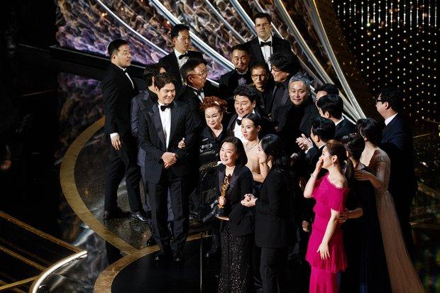 Điện ảnh Hàn và thập kỉ vươn tầm thế giới: Từ con rồng chiếm lĩnh châu Á tới Parasite oanh tạc cả Oscar - Ảnh 8.