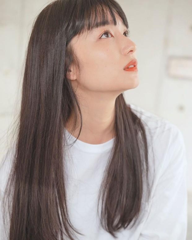 Stylist từng chăm sóc tóc cho Hoàng gia Nhật hướng dẫn cách gội đầu giúp giảm rụng tóc hiệu quả - Ảnh 2.