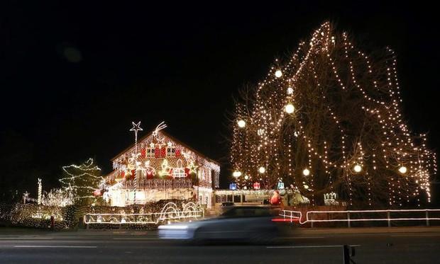 Thế giới rực sáng đón Giáng sinh sau một năm ảm đạm vì COVID-19 - Ảnh 5.