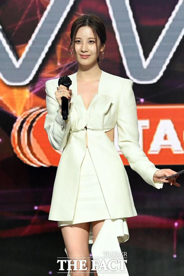 Seohyun (SNSD) gây choáng khi bắn tiếng Anh giới thiệu BTS tại lễ trao giải TMA, hoá ra là được Tiffany nhắc bài từ trước? - Ảnh 2.