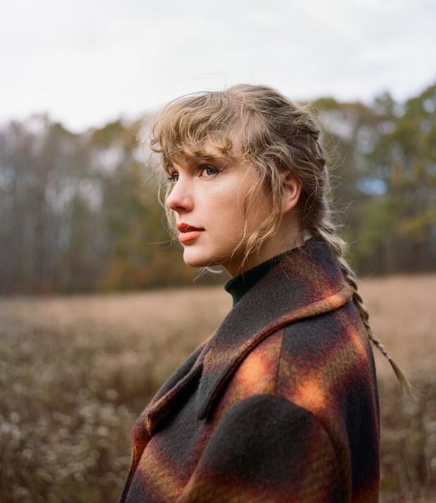 Taylor Swift bị xoá hình khỏi bức tường của những huyền thoại nhạc country, người hâm mộ thế giới phẫn nộ vì quá bất công! - Ảnh 1.