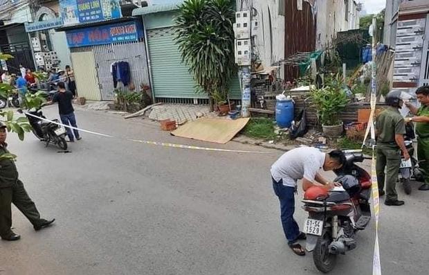 Bình Dương: Bị tạt đầu, tài xế xe ben dùng gậy đánh người đi xe máy tử vong tại chỗ - Ảnh 1.
