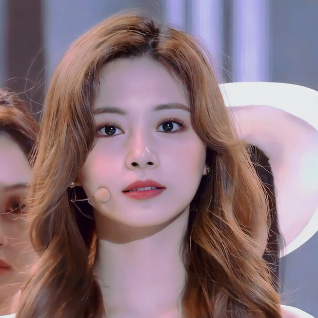 """2 nữ thần chiếm trọn spotlight SBS Gayo Daejun 2020: Bên mỹ nhân đẹp nhất thế giới, bên center GenZ chân dài nhất Kpop """"bùng nổ"""" nhan sắc - Ảnh 13."""