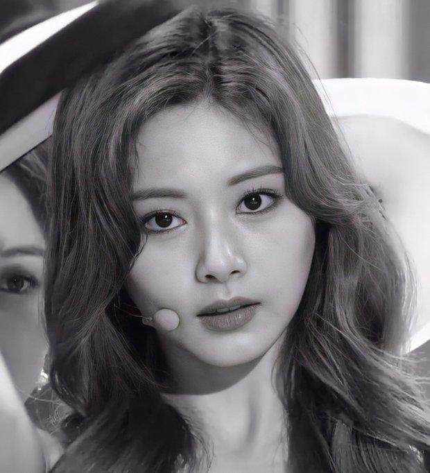 """2 nữ thần chiếm trọn spotlight SBS Gayo Daejun 2020: Bên mỹ nhân đẹp nhất thế giới, bên center GenZ chân dài nhất Kpop """"bùng nổ"""" nhan sắc - Ảnh 12."""