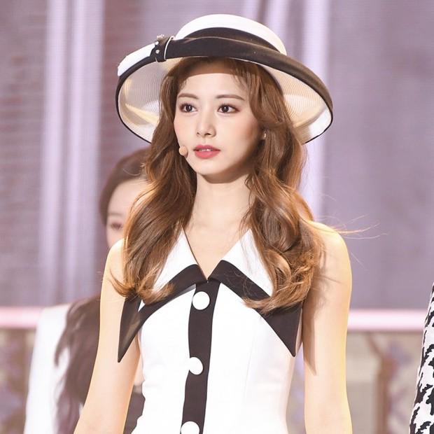 """2 nữ thần chiếm trọn spotlight SBS Gayo Daejun 2020: Bên mỹ nhân đẹp nhất thế giới, bên center GenZ chân dài nhất Kpop """"bùng nổ"""" nhan sắc - Ảnh 9."""