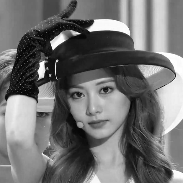 """2 nữ thần chiếm trọn spotlight SBS Gayo Daejun 2020: Bên mỹ nhân đẹp nhất thế giới, bên center GenZ chân dài nhất Kpop """"bùng nổ"""" nhan sắc - Ảnh 11."""