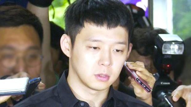 4 màn đổi đời và bay màu chấn động thập kỷ Kbiz: Chỉ 1 fancam cứu cả EXID, Seungri - Yoochun mở đầu chuỗi bê bối rúng động - Ảnh 16.