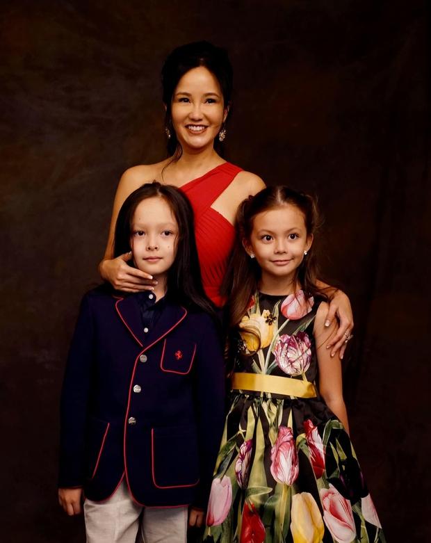 Cặp nhóc tỳ sinh đôi của Hồng Nhung: 8 tuổi thạo 3 thứ tiếng, được cho học toàn môn thượng lưu, xem học phí mỗi năm mà choáng - Ảnh 7.