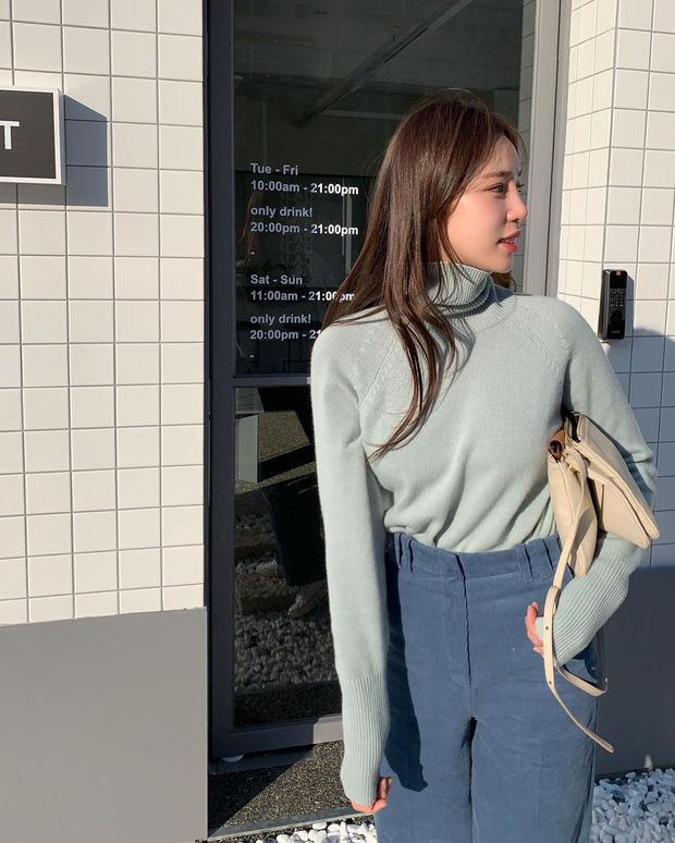 Kiểu áo len khắc tinh của nàng cổ ngắn, ngực to hay dáng béo tròn: Ghim ngay để né xa trước khi phí tiền mua - Ảnh 3.