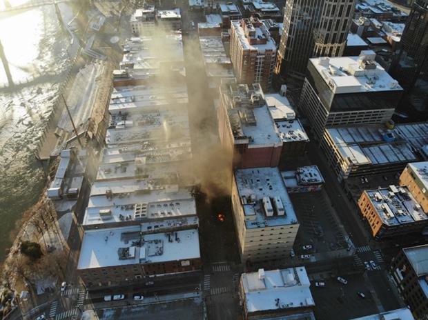 Khung cảnh tan hoang đến rợn người ở hiện trường vụ nổ Nashville - Ảnh 3.
