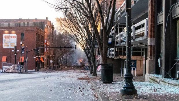 Khung cảnh tan hoang đến rợn người ở hiện trường vụ nổ Nashville - Ảnh 7.