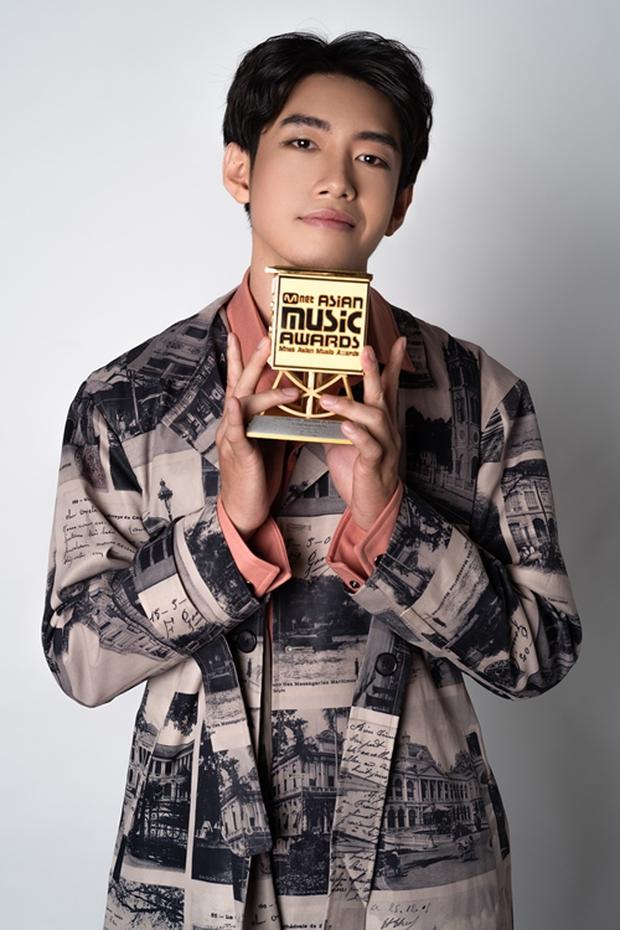 Dàn nghệ sĩ rung chuyển Vbiz năm 2020: Trấn Thành - Thủy Tiên truyền cảm hứng, Quang Đăng lên hẳn HBO vì gây bão tầm cỡ thế giới - Ảnh 18.