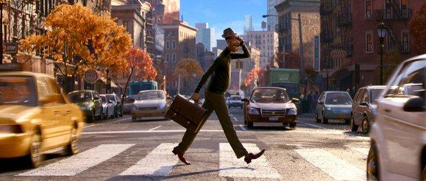 Soul: Bom tấn hoạt hình người lớn của Pixar, lại có pha đổi hồn người-mèo chỉ một nốt nhạc xem mà sốc - Ảnh 3.