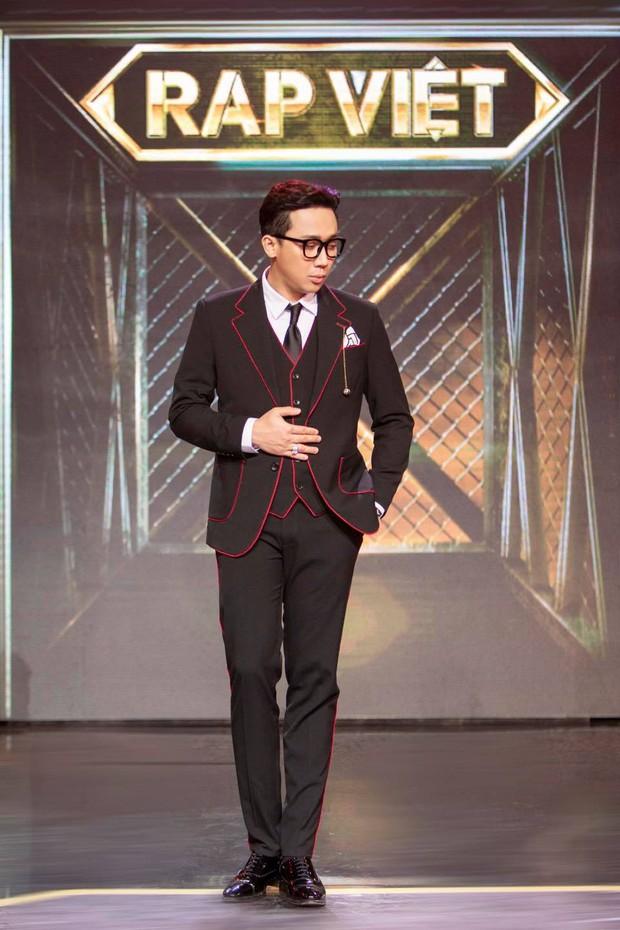 Dàn nghệ sĩ rung chuyển Vbiz năm 2020: Trấn Thành - Thủy Tiên truyền cảm hứng, Quang Đăng lên hẳn HBO vì gây bão tầm cỡ thế giới - Ảnh 3.