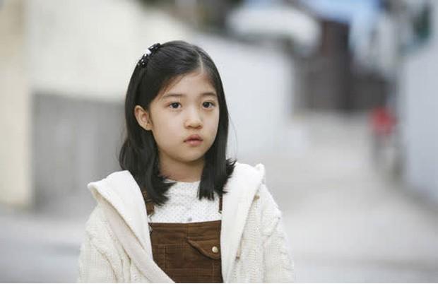 Jo Soo Min - Gia sư bất hạnh ở Penthouse: Búp bê sống 14 năm diễn xuất, cân sạch từ thi - hoạ đến thể thao! - Ảnh 11.