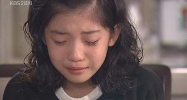 Jo Soo Min - Gia sư bất hạnh ở Penthouse: Búp bê sống 14 năm diễn xuất, cân sạch từ thi - hoạ đến thể thao! - Ảnh 12.
