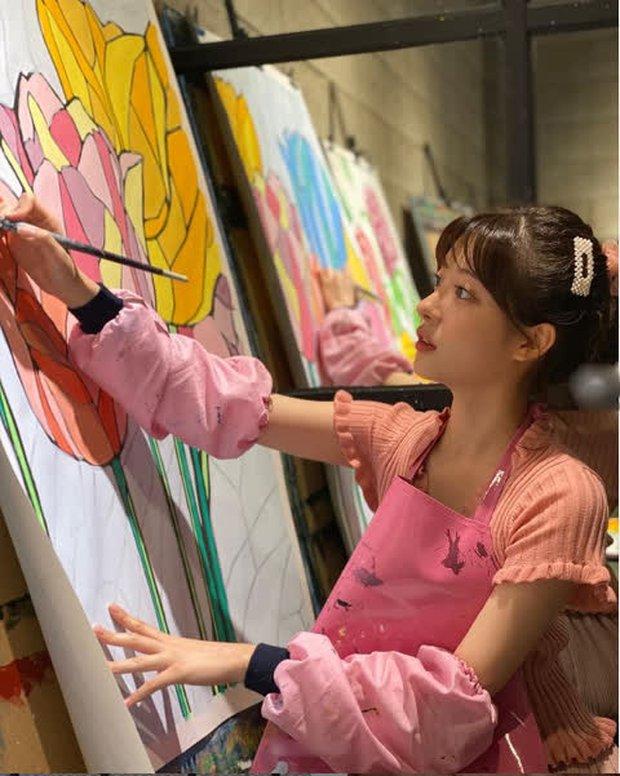 Jo Soo Min - Gia sư bất hạnh ở Penthouse: Búp bê sống 14 năm diễn xuất, cân sạch từ thi - hoạ đến thể thao! - Ảnh 31.