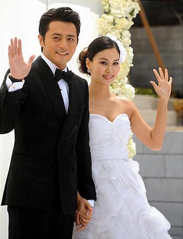 Nhìn lại hôn nhân của tứ đại thiên vương Kbiz thập kỷ qua: Jang Dong Gun gây sốc nhất, Lee Byung Hun có cái kết khó tin - Ảnh 10.