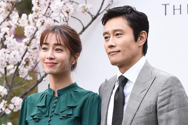 Nhìn lại hôn nhân của tứ đại thiên vương Kbiz thập kỷ qua: Jang Dong Gun gây sốc nhất, Lee Byung Hun có cái kết khó tin - Ảnh 16.