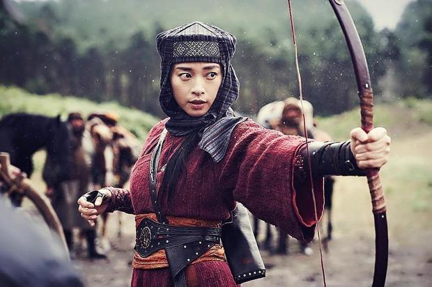 Phụ nữ Việt ở Hollywood 10 năm qua: Không còn là bông hồng lẳng lơ thời chiến gây tranh cãi mà mạnh mẽ vẽ nên câu chuyện siêu anh hùng! - Ảnh 9.