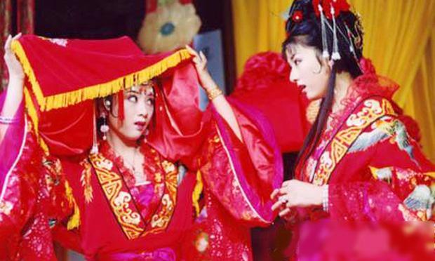 Triệu Lệ Dĩnh - Lý Thấm tái hợp ở Lên Nhầm Kiệu Hoa remake, fan chẳng vui còn sợ hai chị đẹp bị bản gốc đè bẹp - Ảnh 5.