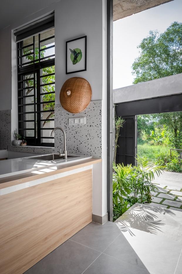 Rời Sài Gòn, cặp vợ chồng trẻ về Đồng Nai xây ngôi nhà cực độc không có phòng khách, lấy phòng bếp làm trung tâm - Ảnh 6.