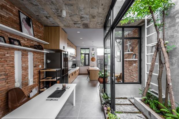 Rời Sài Gòn, cặp vợ chồng trẻ về Đồng Nai xây ngôi nhà cực độc không có phòng khách, lấy phòng bếp làm trung tâm - Ảnh 5.