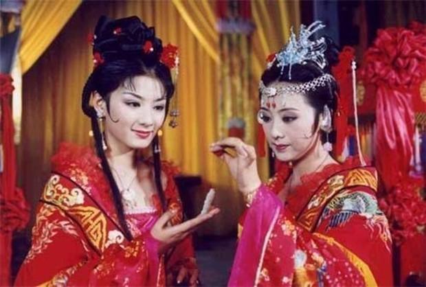 Triệu Lệ Dĩnh - Lý Thấm tái hợp ở Lên Nhầm Kiệu Hoa remake, fan chẳng vui còn sợ hai chị đẹp bị bản gốc đè bẹp - Ảnh 6.