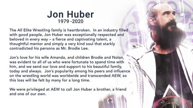 Cựu sao WWE Jonathan Huber qua đời ở tuổi 41 vì bệnh phổi - Ảnh 2.