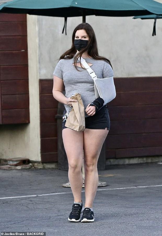 """Màn hoán đổi chấn động của Adele và Lana Del Rey trong 6 tháng: Bên lột xác giảm cả chục kg, bên bỗng tăng cân """"hết hồn"""" - Ảnh 8."""