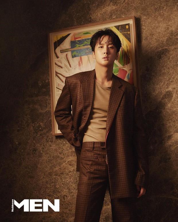 Profile bạn trai tin đồn kém 4 tuổi của Taeyeon: Visual lẫn body 8 múi xịt máu mũi, có mối quan hệ đặc biệt với Kai - Ảnh 22.