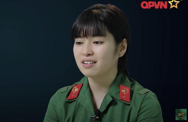 Khánh Vân Sao Nhập Ngũ: Giờ mà trùm mền khóc thì bõ công các chị chữa bệnh bánh bèo nên mình lên tiếng - Ảnh 2.