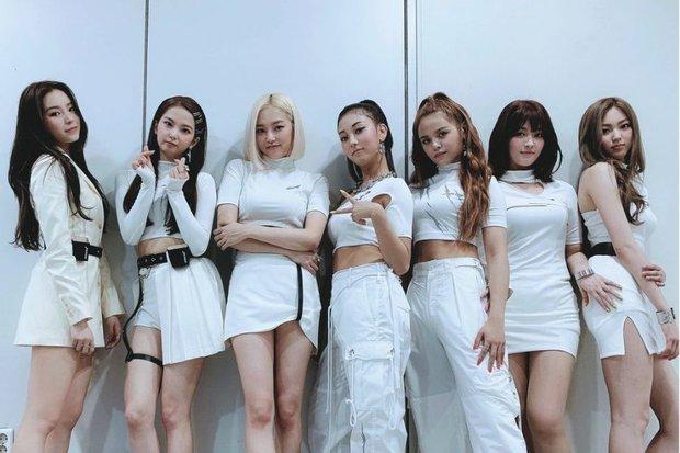 Cube đăng ký bản quyền CLC trước khi 1 thành viên kiện công ty: Netizen chê bẩn tính, nhớ lại cảnh B2ST và T-ara bị ngáng đường - Ảnh 6.