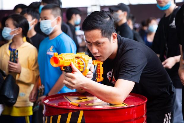 Dàn sao eSports đổ bộ sự kiện Free Fire All Star: ViruSs đọ súng với QTV, Bác Gấu ôm fan cực thân thiện - Ảnh 3.