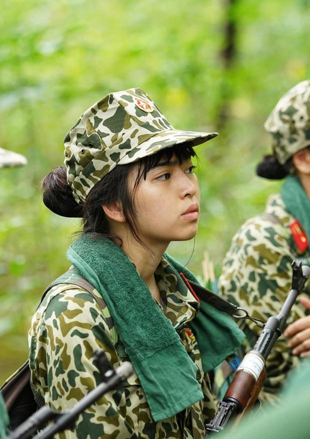 Khánh Vân khoe gia đình siêu lầy lại cưng chiều mình như công chúa, tiết lộ bị thầy giáo cấp 3 cho là học dốt vì... điệu quá - Ảnh 5.