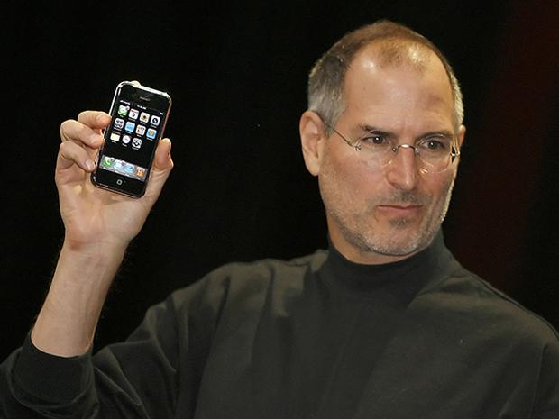Những bức ảnh hiếm hoi về dây chuyền sản xuất chiếc iPhone đầu tiên năm 2007, cư dân mạng lại rần rần nhắc về quá khứ đen tối của Apple - Ảnh 1.