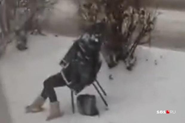 Cụ bà chết cóng giữa băng tuyết lạnh giá, hành động trước đó dẫn đến cái chết bi kịch của các nhân chứng gây phẫn nộ tột cùng - Ảnh 3.