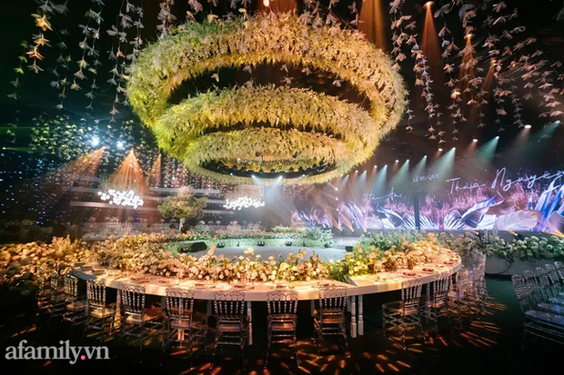 Siêu đám cưới tổ chức cùng địa điểm với Công Phượng - Viên Minh, nguyên hoa tươi nhập khẩu đã 5 tấn và thân phận bí ẩn của cô dâu, chú rể - Ảnh 8.