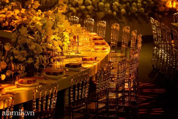 Siêu đám cưới tổ chức cùng địa điểm với Công Phượng - Viên Minh, nguyên hoa tươi nhập khẩu đã 5 tấn và thân phận bí ẩn của cô dâu, chú rể - Ảnh 9.